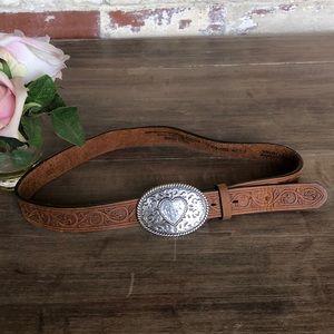 Justin leather belt .💓